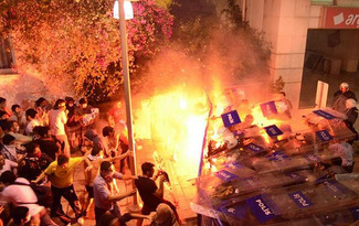 Burning, not looting, in Istanbul