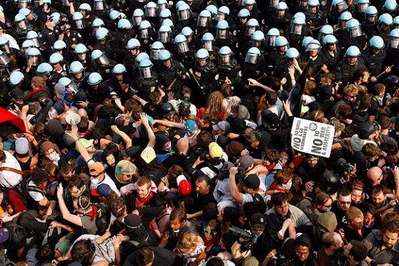 CPD disperse the anti-NATO march, 2012