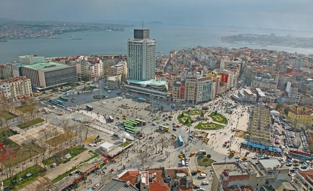 Taksin Square, Istanbul (Credit: http://www.greenprophet.com/tag/taksim-square/)